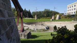"Oodena Celebration Circle. It pays homage to the 6,000 years of Aboriginal peoples in the area. Oodena, Cree for ""centre of the city"", features ethereal sculptures, a sundial, interpretive signage, a naked eye observatory and a ceremonial fire pit, making it a desirable venue for Aboriginal and cultural celebrations or a place to simply sit and marvel at its beauty."